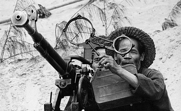 """Phòng không Việt Nam """"vít cổ"""" không lực siêu cường (chùm ảnh) ảnh 8"""