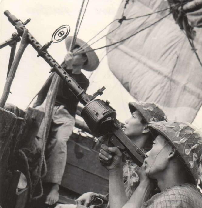 """Phòng không Việt Nam """"vít cổ"""" không lực siêu cường (chùm ảnh) ảnh 19"""