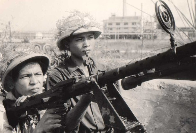 """Phòng không Việt Nam """"vít cổ"""" không lực siêu cường (chùm ảnh) ảnh 20"""
