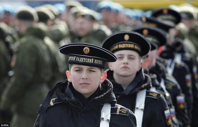 Xe tăng, tên lửa Nga tập dượt duyệt binh mừng Ngày chiến thắng ảnh 8