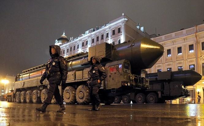 Xe tăng, tên lửa Nga tập dượt duyệt binh mừng Ngày chiến thắng ảnh 11