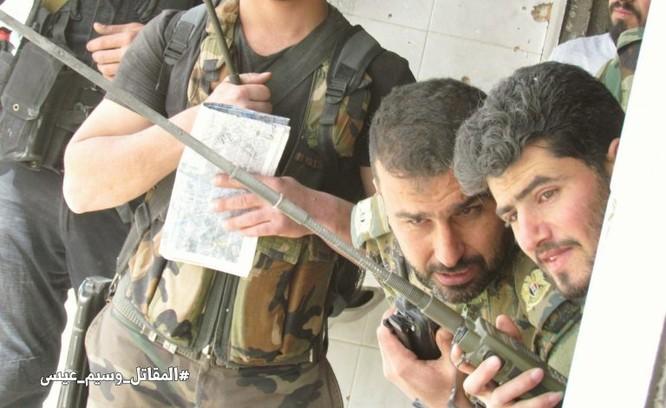 Quân đội Syria giao chiến ác liệt với phiến quân cố thủ ngoại vi Damascus (video) ảnh 2