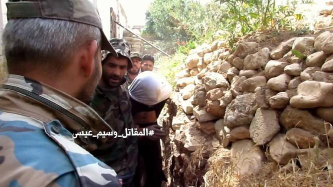 Quân đội Syria giao chiến ác liệt với phiến quân cố thủ ngoại vi Damascus (video) ảnh 3