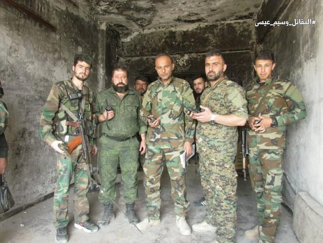Quân đội Syria giao chiến ác liệt với phiến quân cố thủ ngoại vi Damascus (video) ảnh 5