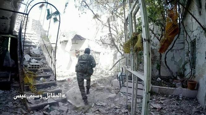 Chiến sự Syria: Quân Assad siết vòng vây phiến quân cố thủ ngoại vi Damascus ảnh 1