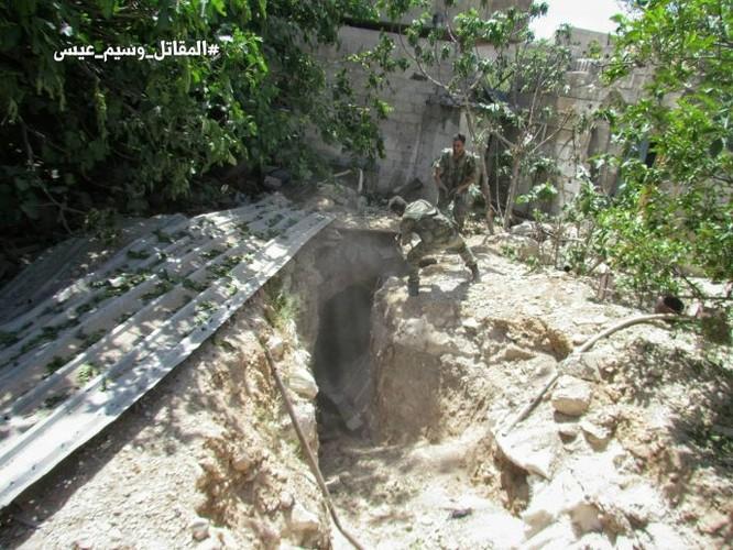 Chiến sự Syria: Quân Assad siết vòng vây phiến quân cố thủ ngoại vi Damascus ảnh 2