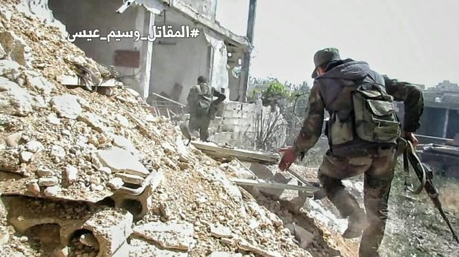 Chiến sự Syria: Quân Assad siết vòng vây phiến quân cố thủ ngoại vi Damascus ảnh 4