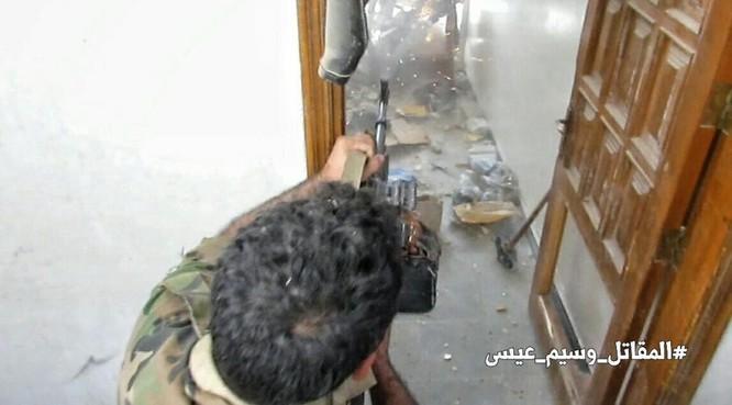 Chiến sự Syria: Quân Assad siết vòng vây phiến quân cố thủ ngoại vi Damascus ảnh 5