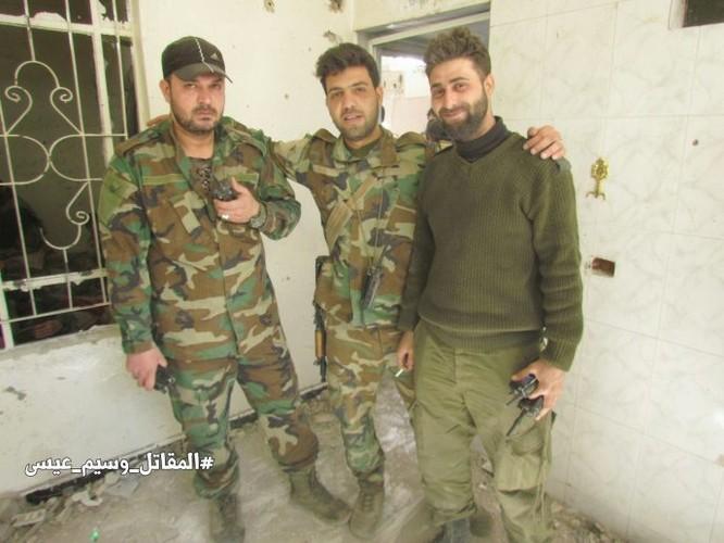 Chiến sự Syria: Quân Assad siết vòng vây phiến quân cố thủ ngoại vi Damascus ảnh 11