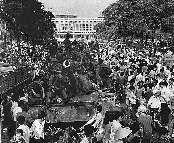Giải phóng Sài Gòn: Những khoảnh khắc sống mãi với thời gian (chùm ảnh) ảnh 10