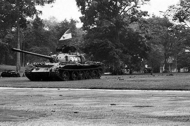 Giải phóng Sài Gòn: Những khoảnh khắc sống mãi với thời gian (chùm ảnh) ảnh 11