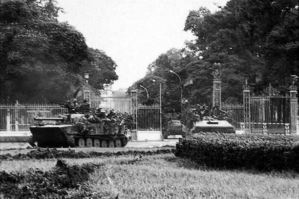 Giải phóng Sài Gòn: Những khoảnh khắc sống mãi với thời gian (chùm ảnh) ảnh 3