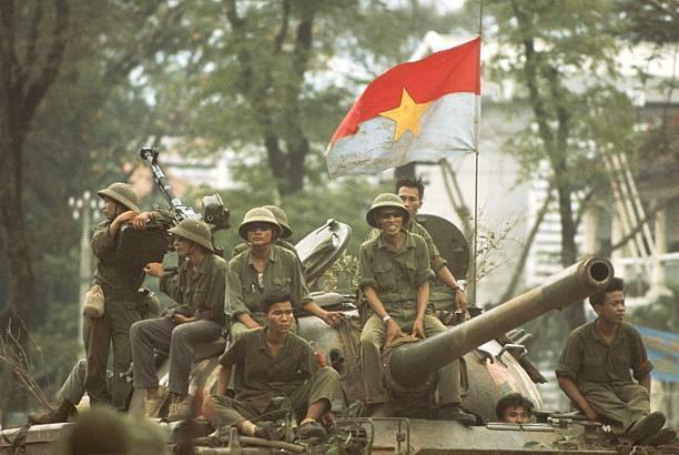 Giải phóng Sài Gòn: Những khoảnh khắc sống mãi với thời gian (chùm ảnh) ảnh 16