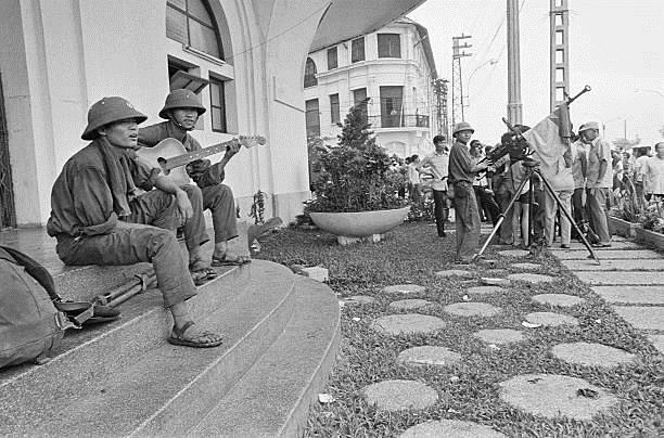 Giải phóng Sài Gòn: Những khoảnh khắc sống mãi với thời gian (chùm ảnh) ảnh 35