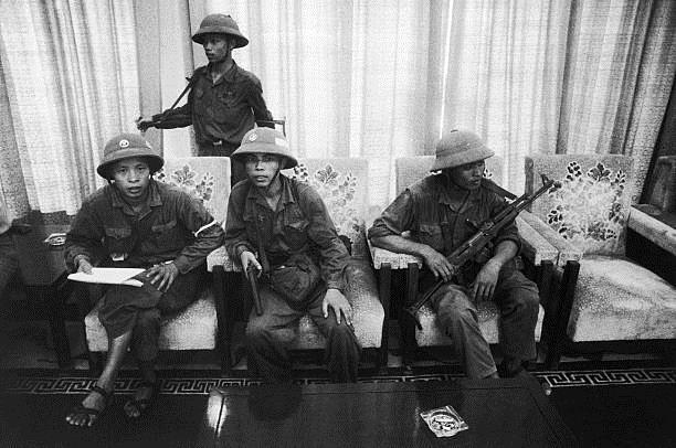 Giải phóng Sài Gòn: Những khoảnh khắc sống mãi với thời gian (chùm ảnh) ảnh 38