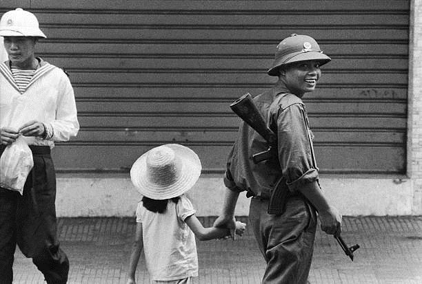 Giải phóng Sài Gòn: Những khoảnh khắc sống mãi với thời gian (chùm ảnh) ảnh 47