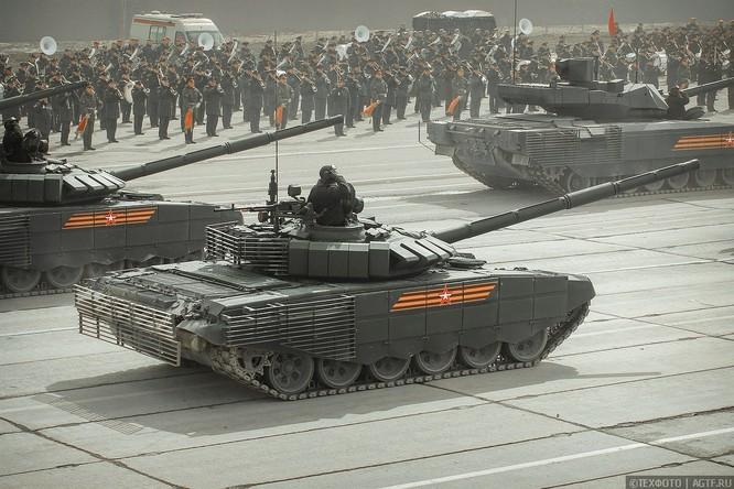 Ngắm dàn vũ khí mới Tor-M2DT và Pantsir-SA Nga tập diễu binh (video) ảnh 3
