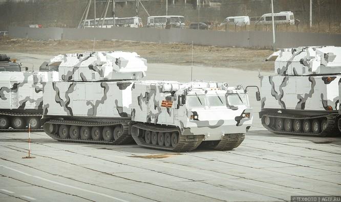 Ngắm dàn vũ khí mới Tor-M2DT và Pantsir-SA Nga tập diễu binh (video) ảnh 5