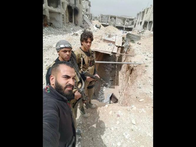 Chiến sự Syria: Lính chính phủ san phẳng chỉ huy sở phiến quân ở Daraa ảnh 5