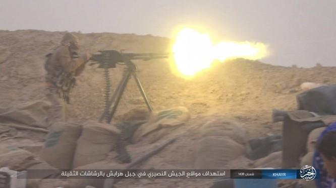 Chảo lửa Deir Ezzor: Vệ binh Syria nỗ lực phá vây IS (video) ảnh 1