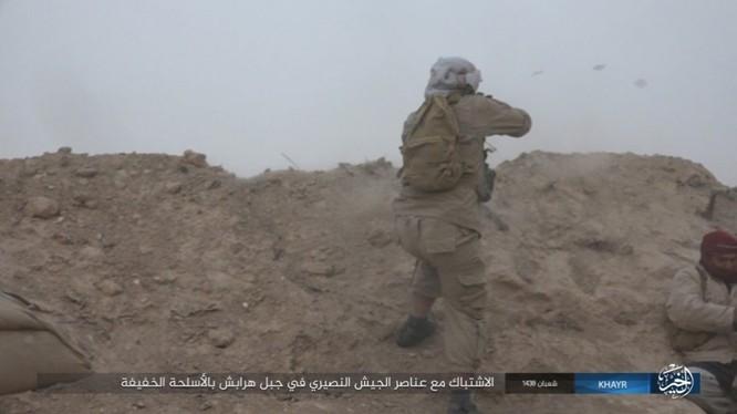 Chảo lửa Deir Ezzor: Vệ binh Syria nỗ lực phá vây IS (video) ảnh 6