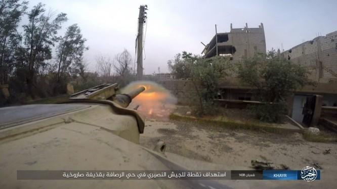 Chảo lửa Deir Ezzor: Vệ binh Syria nỗ lực phá vây IS (video) ảnh 8