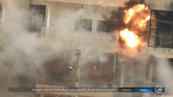 Chảo lửa Deir Ezzor: Vệ binh Syria nỗ lực phá vây IS (video) ảnh 10