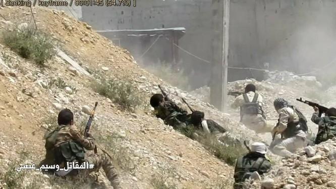 Quân đội Syria dồn lực đè bẹp phe thánh chiến ở Damascus (video) ảnh 2