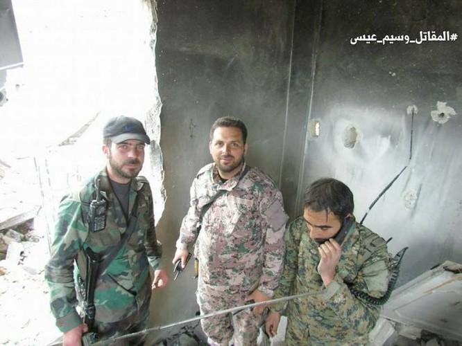 Quân đội Syria dồn lực đè bẹp phe thánh chiến ở Damascus (video) ảnh 6