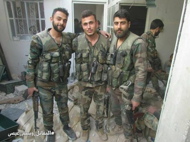 Quân đội Syria dồn lực đè bẹp phe thánh chiến ở Damascus (video) ảnh 9