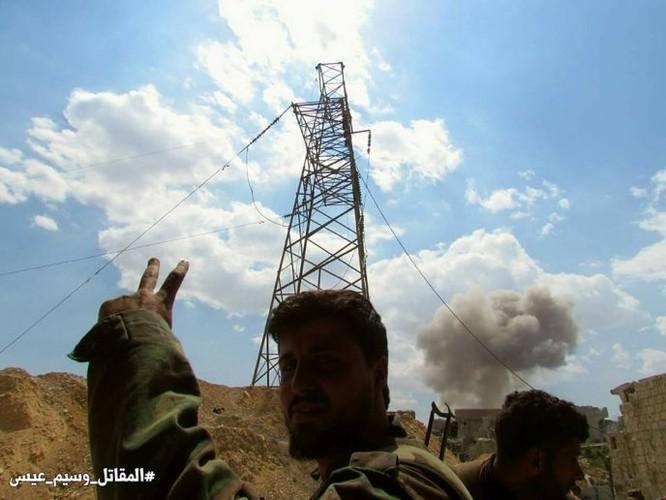 Quân đội Syria dồn lực đè bẹp phe thánh chiến ở Damascus (video) ảnh 12