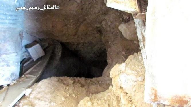 Chiến sự Syria: Quân Assad đánh sập hầm chôn phiến quân, khủng bố sắp đầu hàng ở Damascus ảnh 2