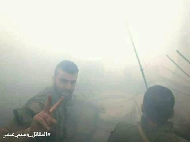 8.000 phiến quân Syria đầu hàng, giao nộp hai quận ngoại ô Damascus ảnh 1