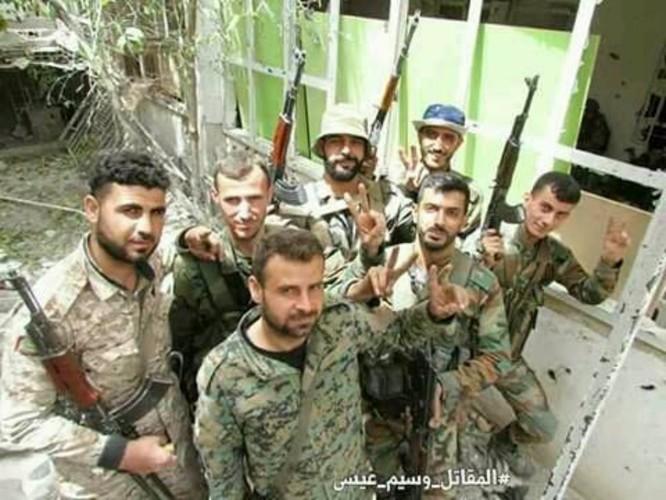 8.000 phiến quân Syria đầu hàng, giao nộp hai quận ngoại ô Damascus ảnh 2