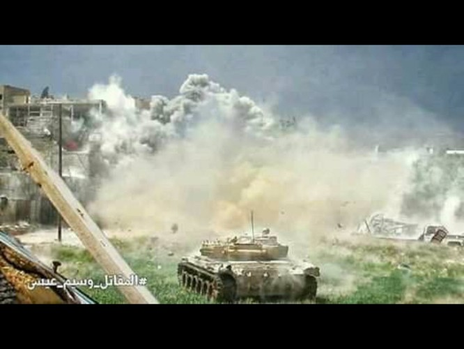 8.000 phiến quân Syria đầu hàng, giao nộp hai quận ngoại ô Damascus ảnh 3