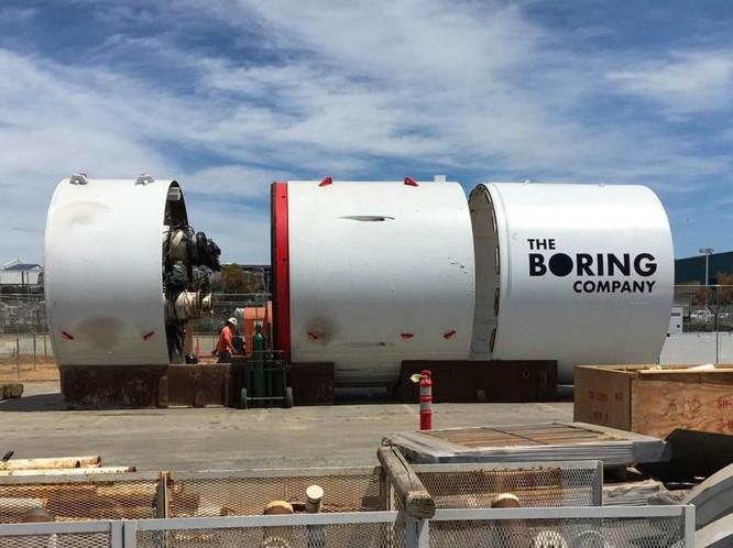 """Tỷ phú Elon Mush với mạng lưới hầm ngầm và công ty """"Chán ngắt"""" (video) ảnh 2"""