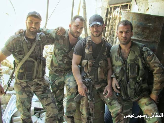 Quân đội Syria đánh phá dữ dội các quận ngoại ô Damascus (video) ảnh 2