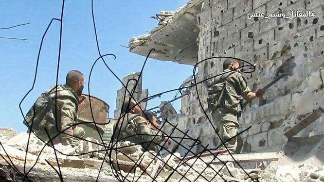 Quân đội Syria đánh phá dữ dội các quận ngoại ô Damascus (video) ảnh 3