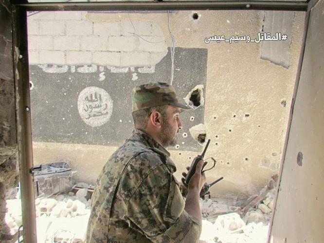 Quân đội Syria đánh phá dữ dội các quận ngoại ô Damascus (video) ảnh 6