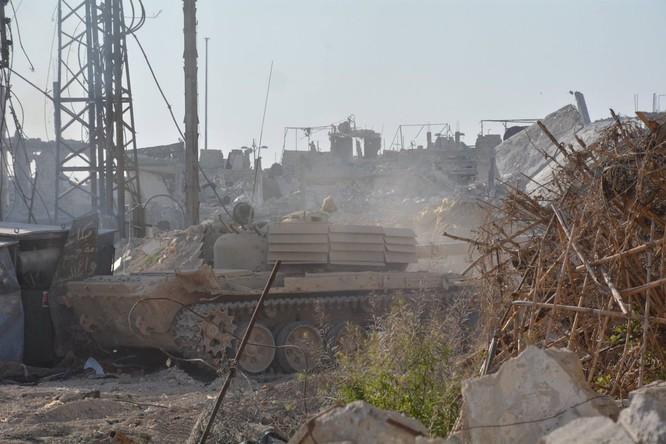 Quân đội Syria tiến công chia cắt quận Al-Qaboun ảnh 1