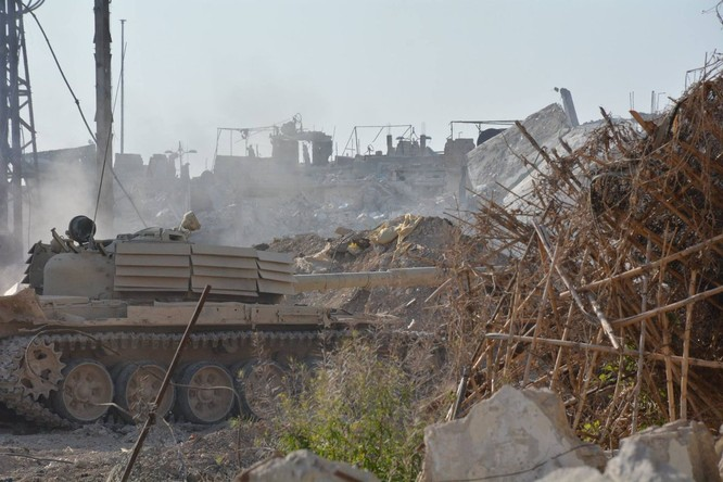 Quân đội Syria tiến công chia cắt quận Al-Qaboun ảnh 2