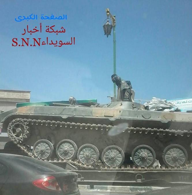 Quân đội Syria tấn công phiến quân ở biên giới Iraq (video) ảnh 2