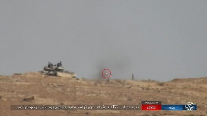 Quân đội Syria trút bão lửa huỷ diệt IS trên chiến trường Palmyra (video) ảnh 1