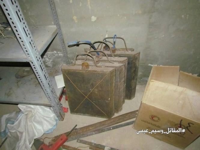 Chiến sự Syria: Phát hiện căn cứ ngầm khổng lồ của phiến quân ở ngoại vi Damascus ảnh 6