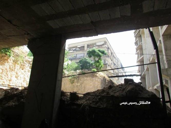 Chiến sự Syria: Phát hiện căn cứ ngầm khổng lồ của phiến quân ở ngoại vi Damascus ảnh 15