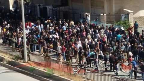Hàng ngàn phiến quân Syria đầu hàng, di tản khỏi ngoại vi Damascus (video) ảnh 5