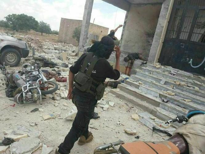 IS sắp tháo lui khỏi cứ địa tại ngoại vi Damascus ảnh 1