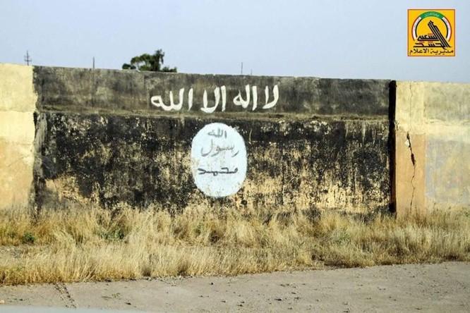 IS sắp tuyệt diệt tại Mosul, Iraq chiếm thêm một thành phố ảnh 12