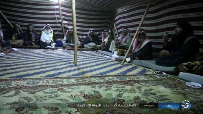 Quân đội Syria đánh bật IS khỏi mỏ khí đốt đông Palmyra (video) ảnh 1