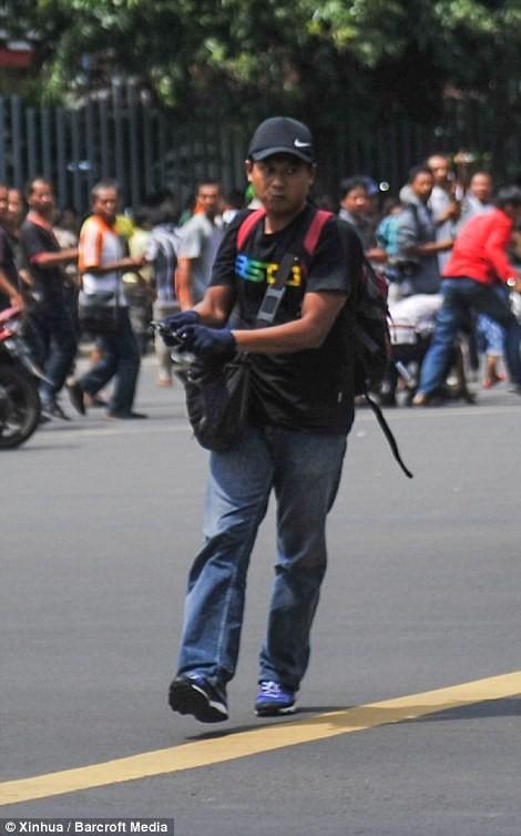 IS nhận trách nhiệm đánh bom kép kinh hoàng ở Indonesia ảnh 3